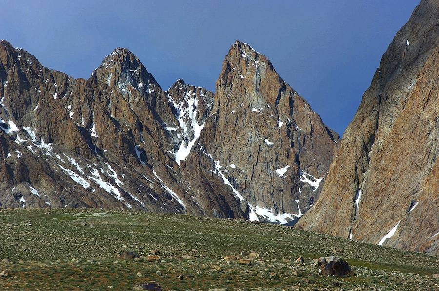 Looking approximately north to ca 800m rock faces near Uween-e-Sar (4,887m), close to the Tajik border.