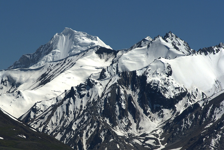 Qalandar Zom (5,909m) seen from Kashch Goz to the north. This peak lies on the Afghan-Pakistan border northwest of 4,630m Khora Bhurt Pass in the Lupsuq Hindu Kush.
