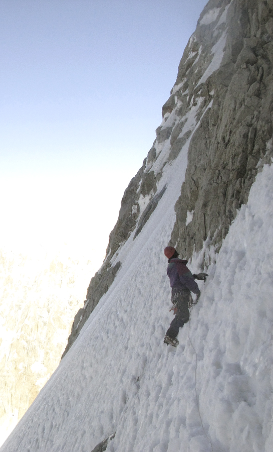 Traversing below the rock band during the Indo-American attempt to reach the east ridge of Plateau Peak (7,287m).