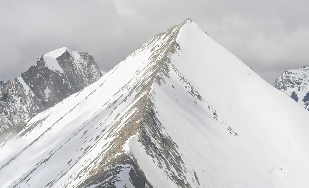 Connecting ridge leading to Dzo Jongo West. Divyesh Muni