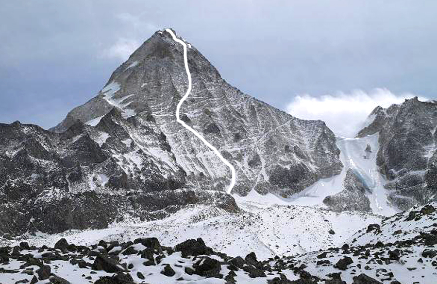 Ruiche Gongga from the southwest. Korean route marked. In 2008 French made the second ascent of this small peak northwest of Jiazi by climbing to the col on the right, and then following the southeast ridge to the top.