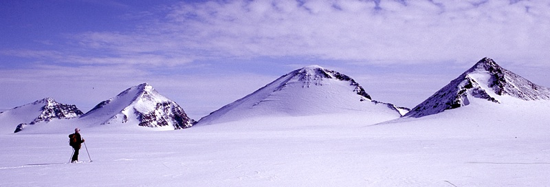Part of Saven Range from Alfheim Glacier to the north. From left to right: Peak Hymir, Peak Gymir, Breidablikk, and Ragnars Fjeld.