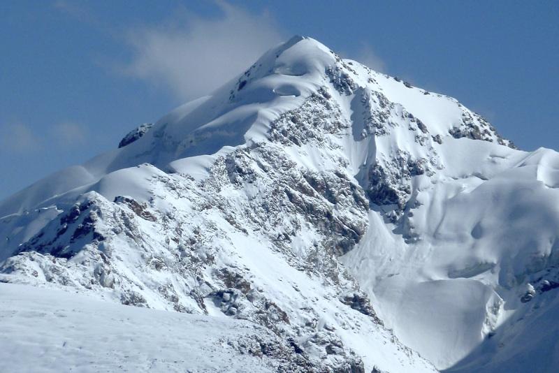 Pik 4,815m in northern Borkoldoy. Ascent ridge faces camera.