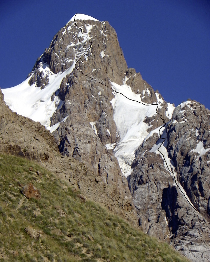 Pik Laetitia from west with first ascent route.