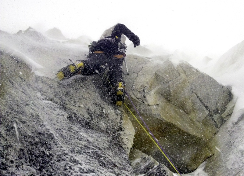 Delle Monache battles spindrift on pitch 11 of The Seed of Madness. Daniele Nardi