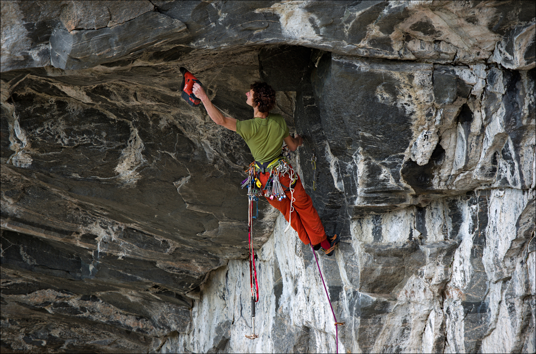 Ondra does the dirty work, bolting the second pitch.