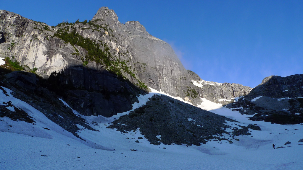 Approaching the North Joffre Creek walls.