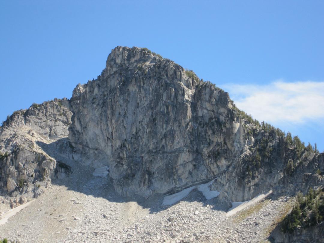 Traverse Lake crag.