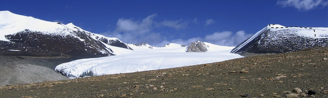 The large glacier and line of ascent to Peak 6,258m in the Muggar Kangri Range.