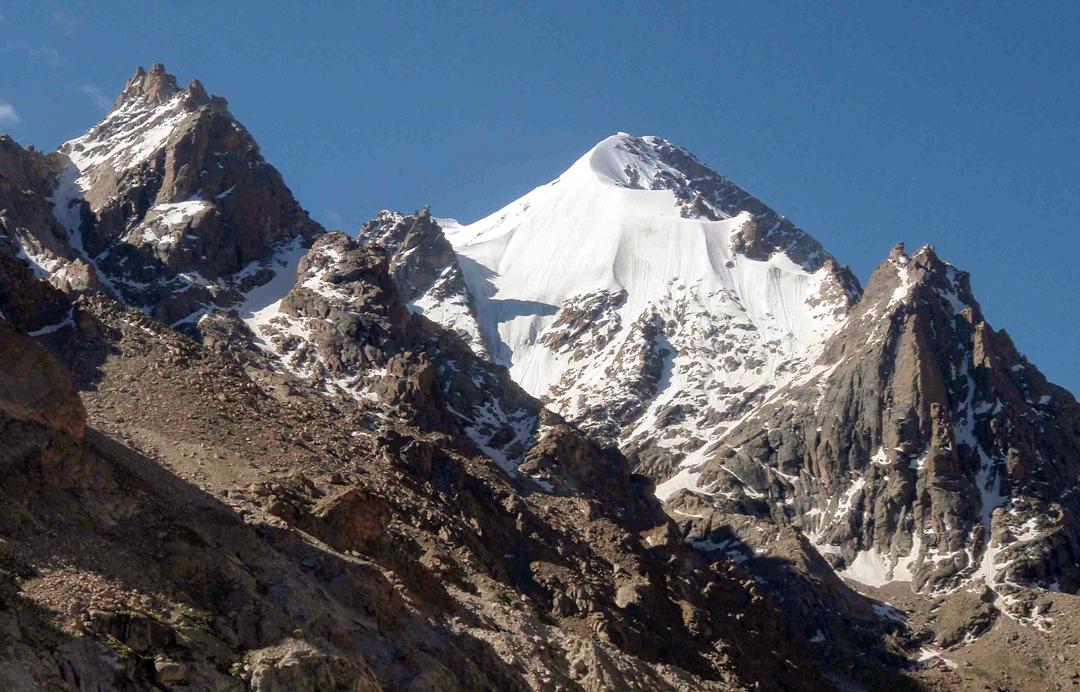 Unclimbed H26 (5,840m) in the Yurachku Glacier, Haptal Tokpo.