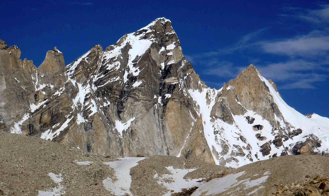 Unclimbed T10 (5,957m) in the Korlomshe Nala.