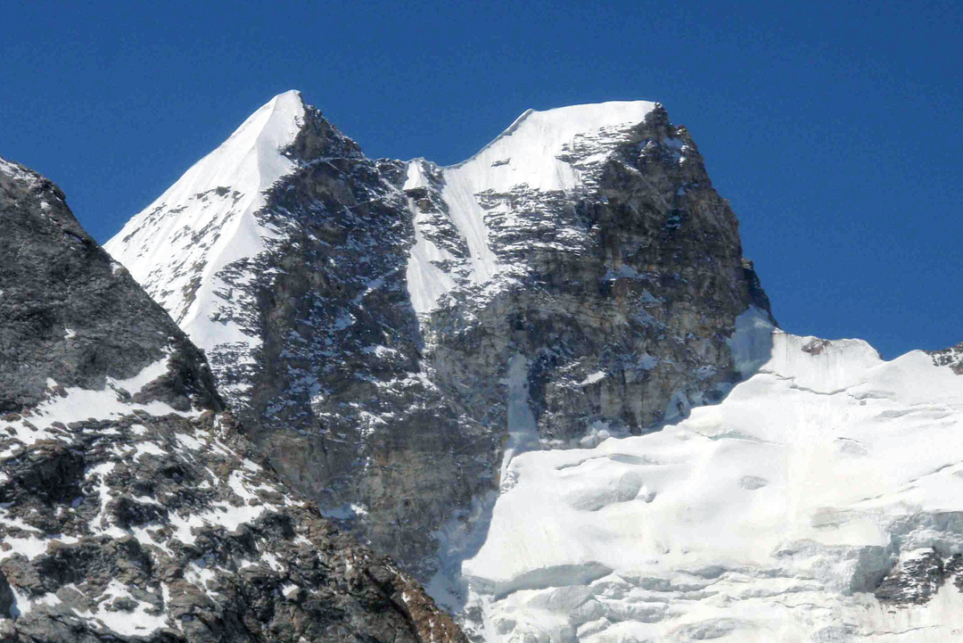 Unclimbed T16 (6,431m) in Gompe Tokpo.