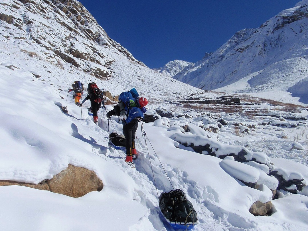 On the approach to Mir Samir in winter.