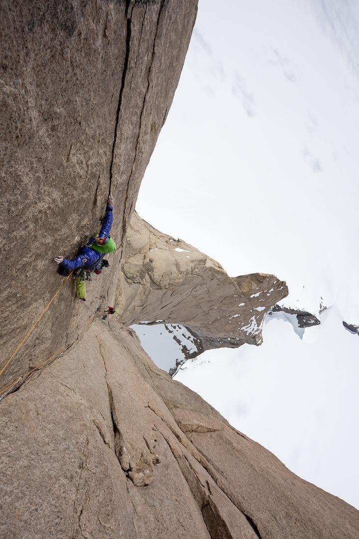 Leo Houlding free-climbing at ca –30°C.