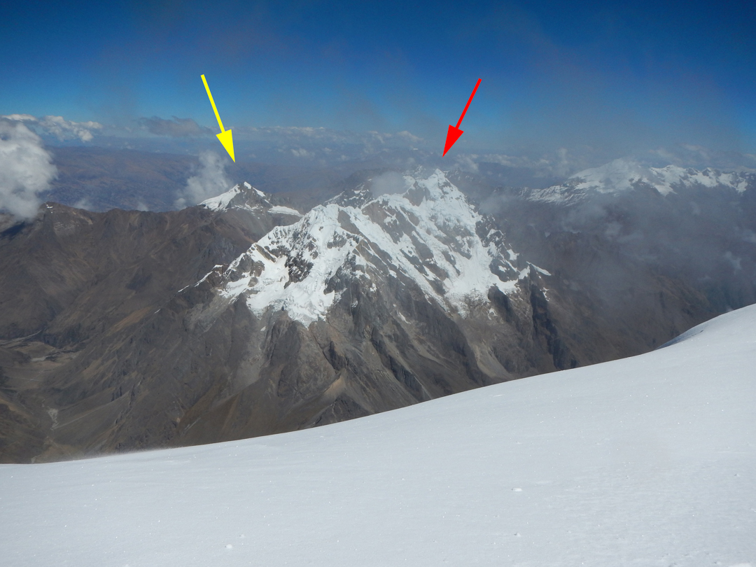 Cerro Soray (left) and Nevado Tucarhuay (right).