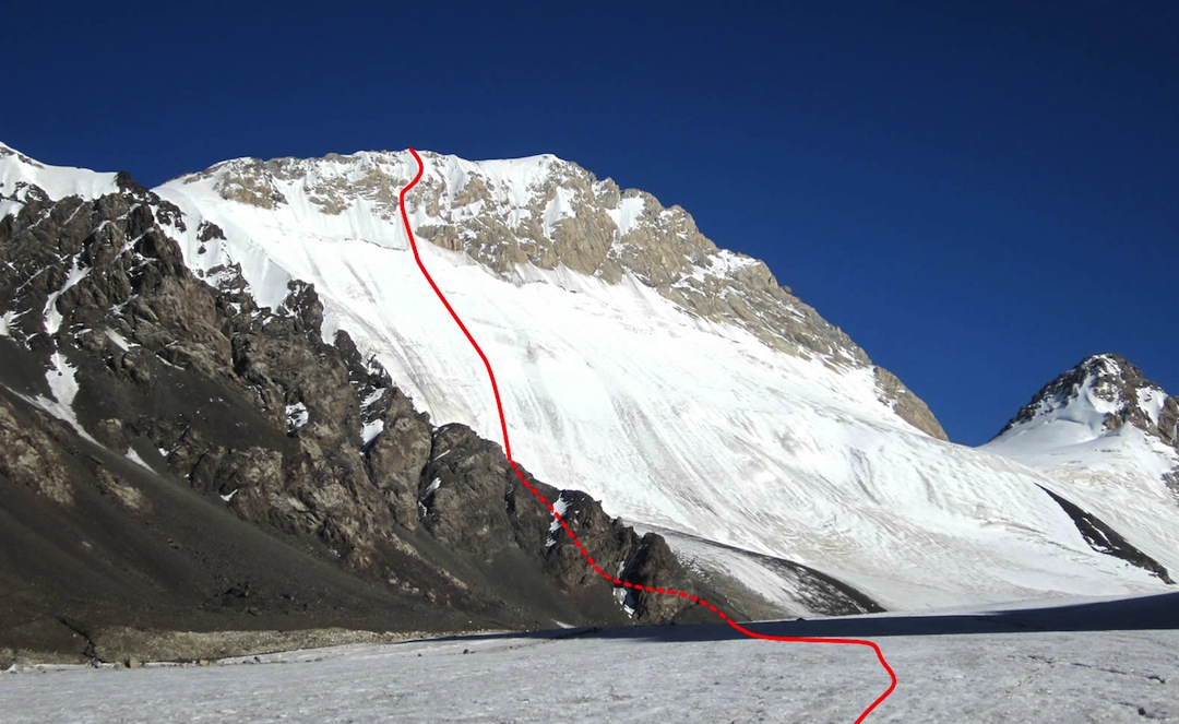 The west-facing ice route on Peak Topor.