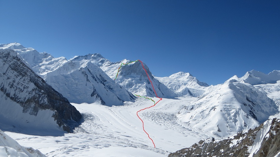 The ascent and descent route on West Pogrebetsky.