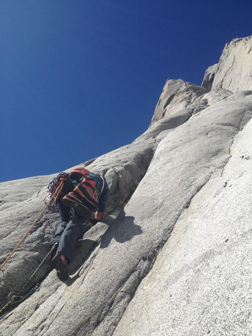 Paul McSorley leading clean granite on Cerro Mariposa.