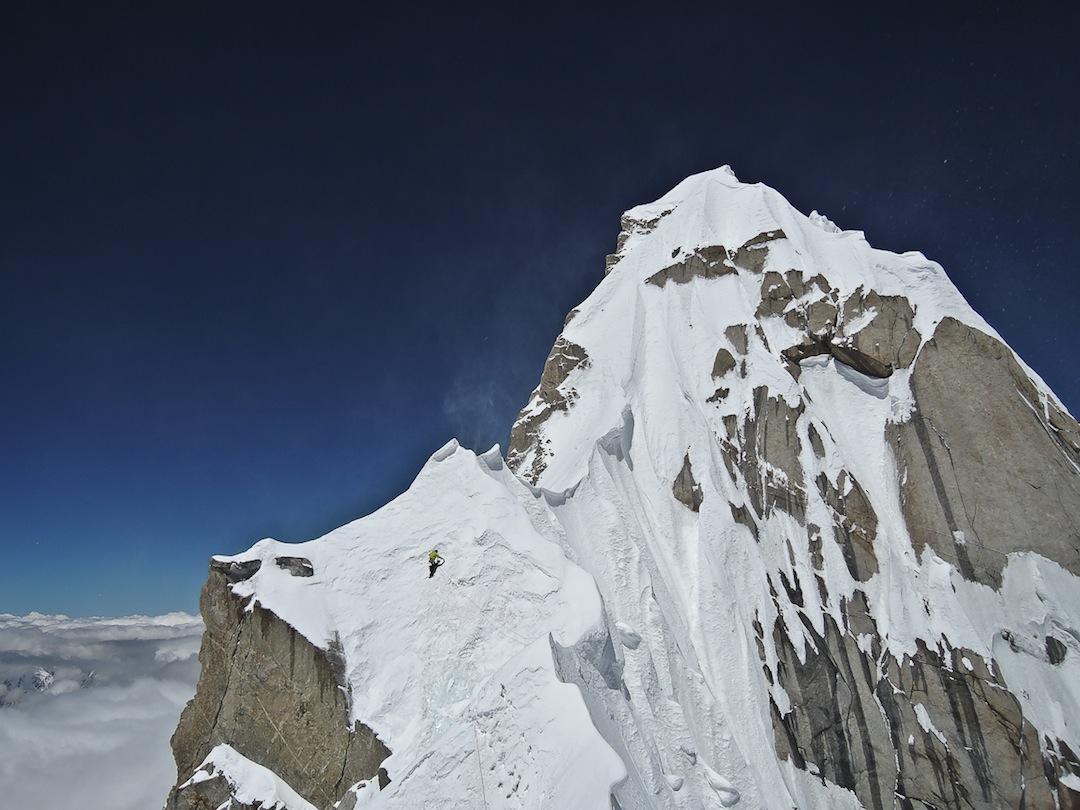 Hansjörg Auer, above 7,000m, traversing toward the summit.