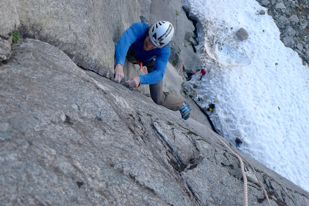 Thomas Meling leads the crux first pitch (5.12d) of Ikaros.