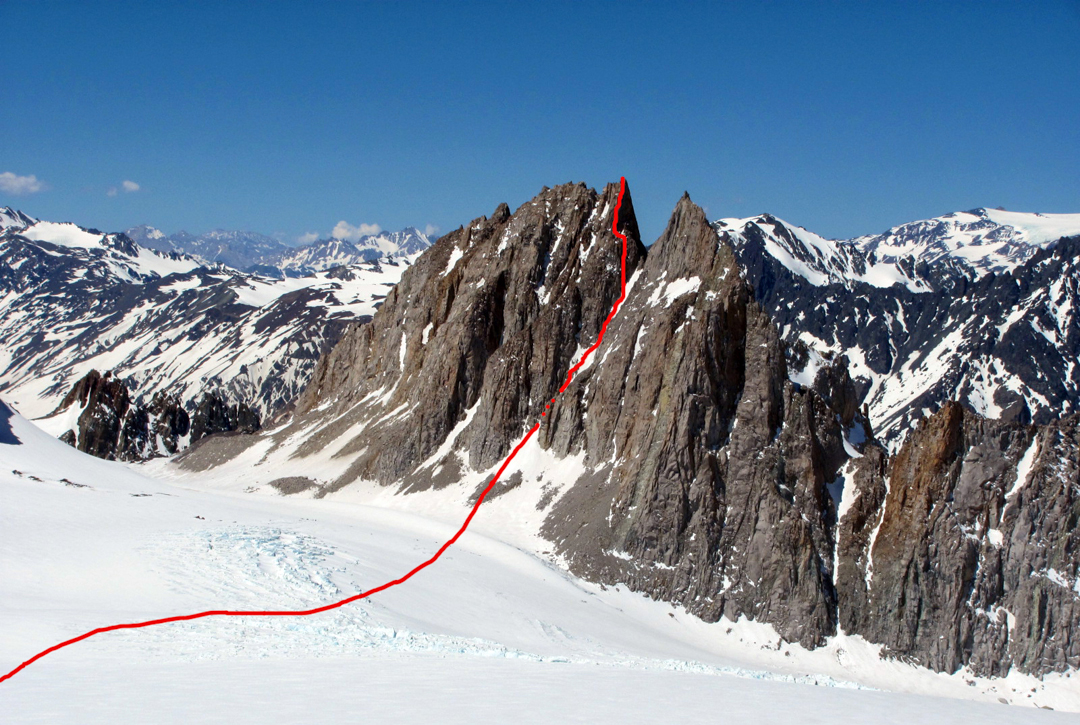 The route to the main summit of Gran Torre del Cortaderal.