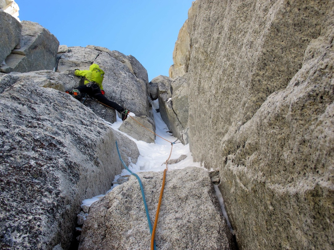 Graham Zimmerman leading mixed ground on the west face of Titanic.