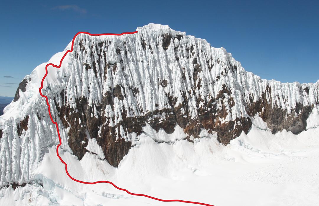 The heavily fluted northwest face of Jurau B (5,727m), showing the route El Inca, El Cachaco y el Azteca (300m, AD 60–90°).