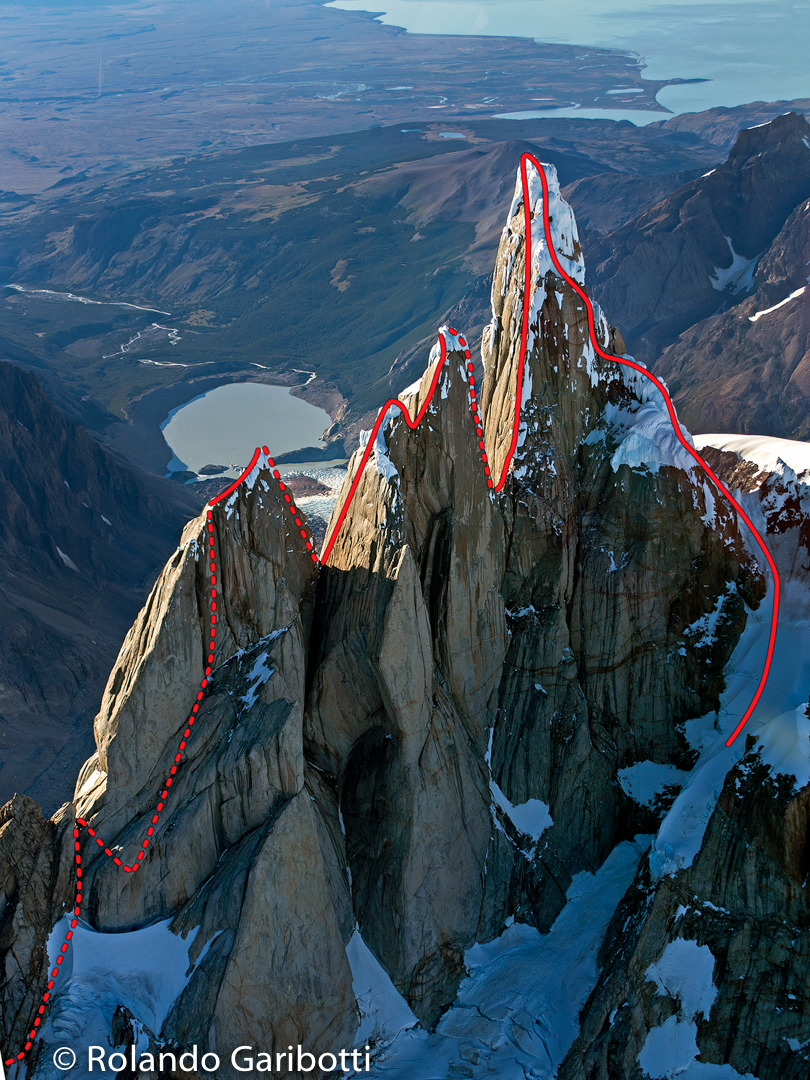 The reverse Torre Traverse: La Travesía del Oso Buda (1,200m, 6a+ 90° M6 C1), which climbs right to left, starting on Cerro Torre and ending on Aguja Standhardt.