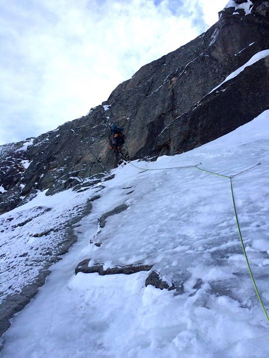Leading the third-pitch crux section.