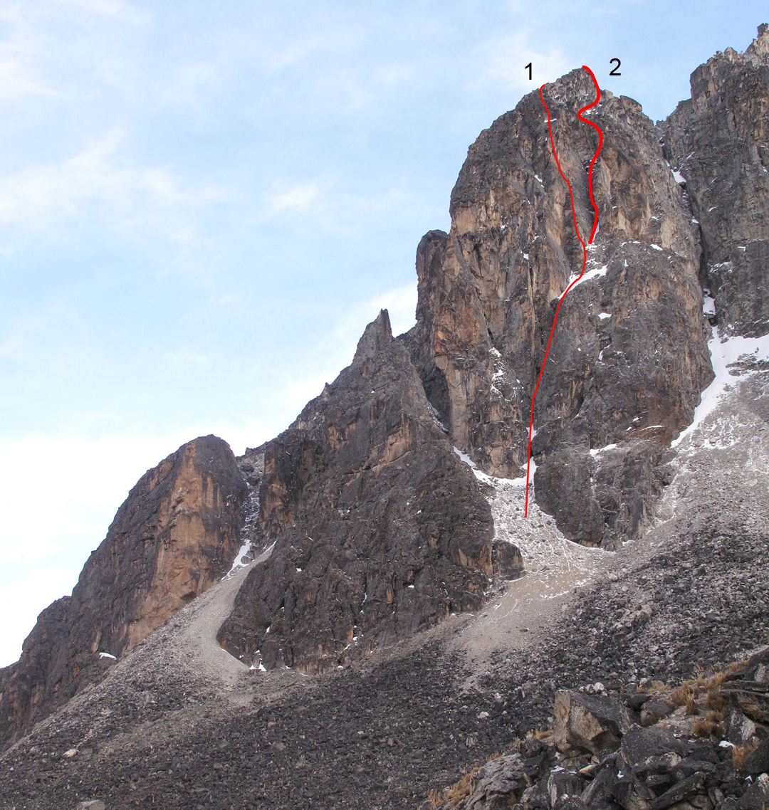 The south face of one of the western summits of Khala Cruz. (1) Condores y Picaflores. (2) The presumed line of La Muesca.