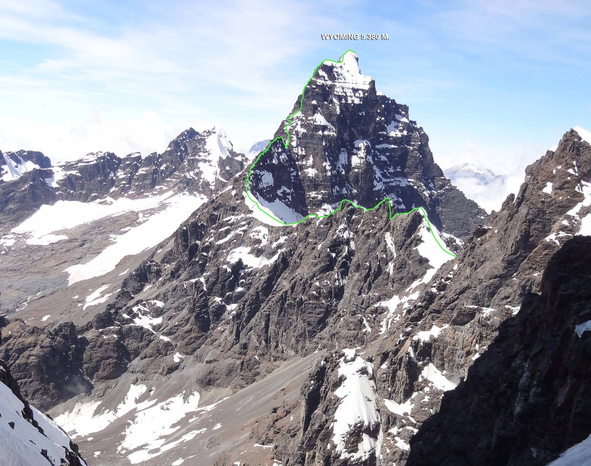 Detail of the route up Wyoming (a.k.a. Huallomen, 5,380m).