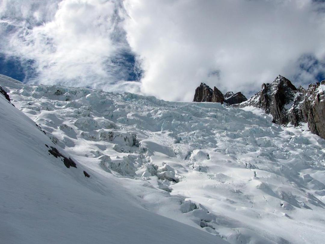 The approach up the Mañke Glacier.
