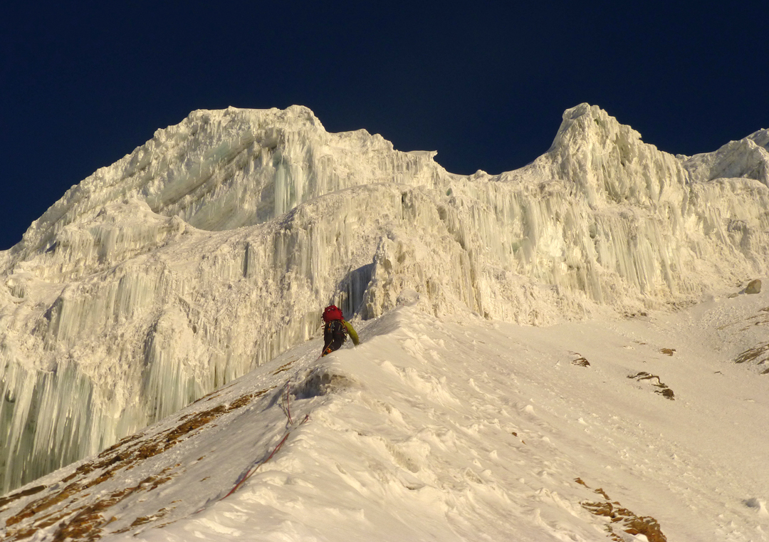 Mark Thomas approaching the ice barrier at 6,100m on the northeast ridge of Nanda Devi East.