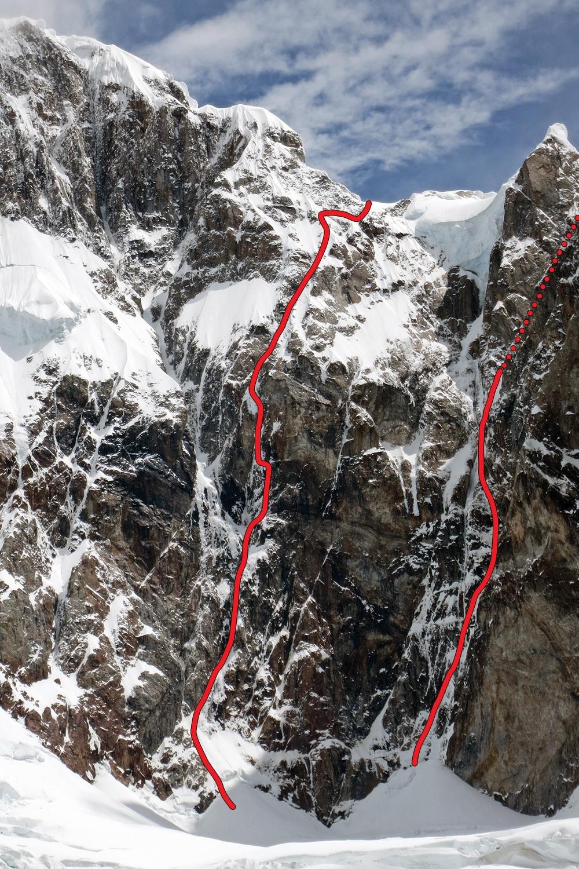 The east face of Cerro Adela Norte, showing Balas y Chocolate (left) and Los Tiempos Perdidos (right).