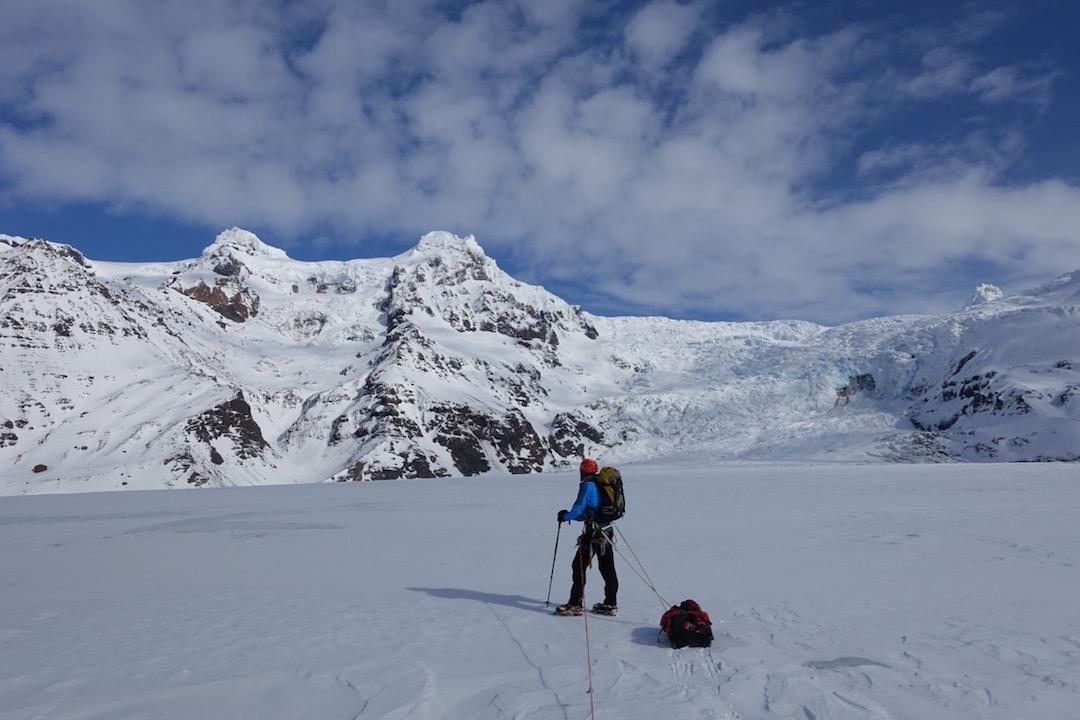 Eythan Sontagapproaching Hrútsfjallstindar on Svínafells Glacier.