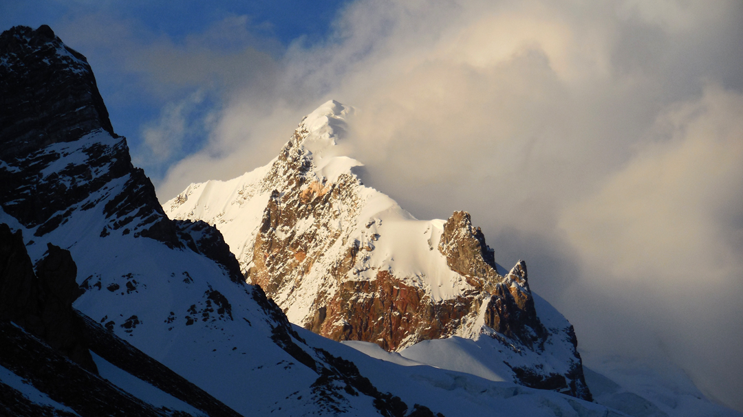 Karun Koh (6,977m) and the southwest ridge, climbed on the first ascent in 1984.