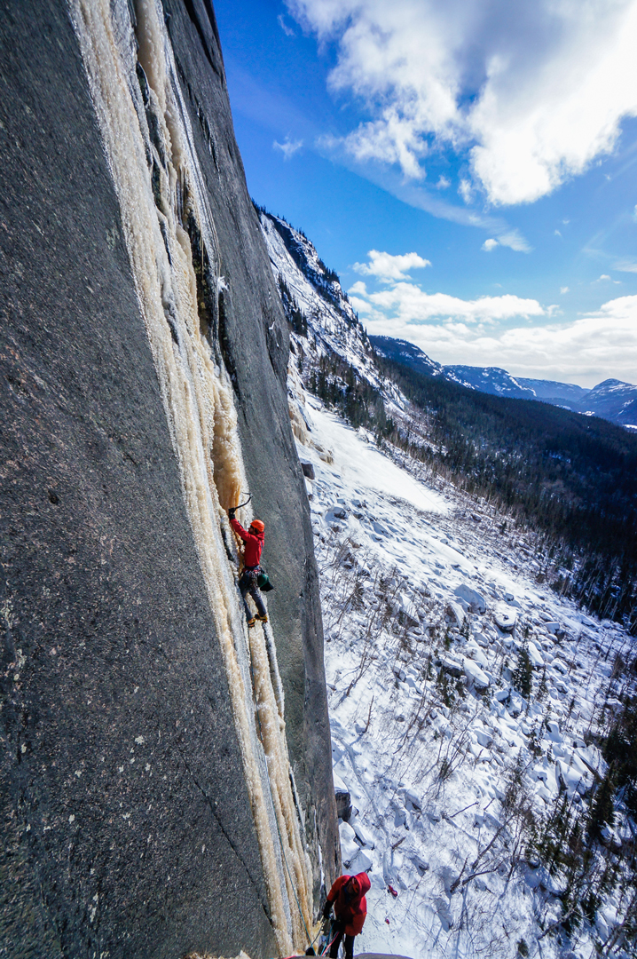 Jasmin Fauteux and Pete Takeda on the crux second pitch of Âme du Nord.