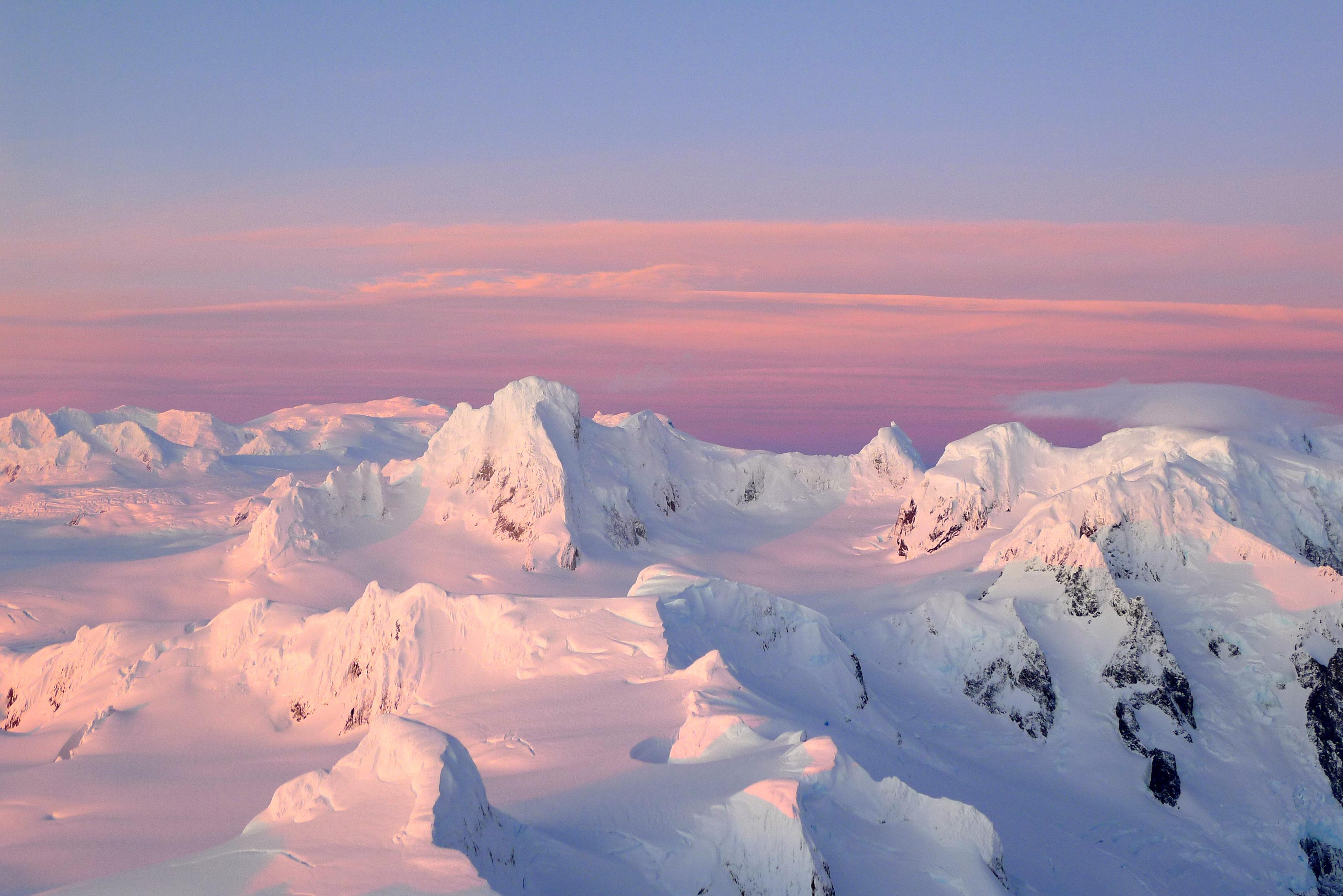 A stunning sunset view to the northeast, over the icecap to Cerro Buracchio and the Cordón Riso Patrón.
