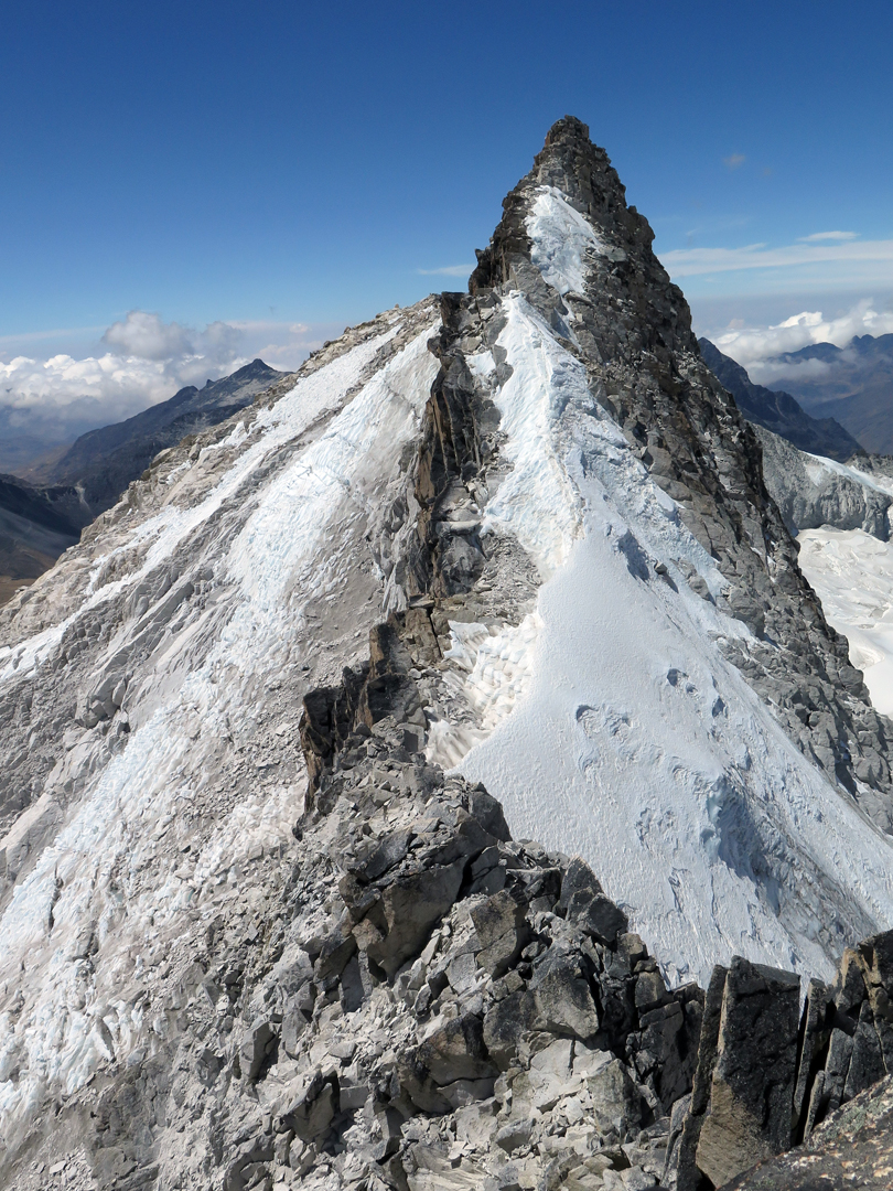 The last section of the southwest ridge of Cerro Mullu Apacheta, climbed along the line between rock and snow.
