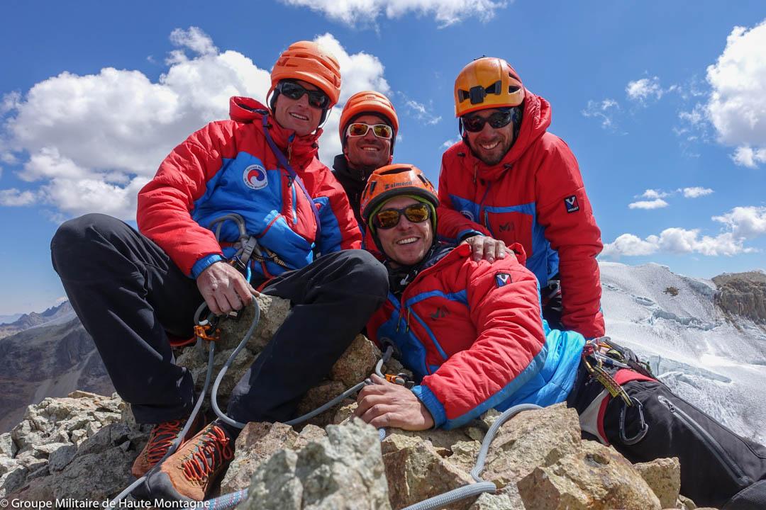 The team atop the summit of Puscanturpa Este (5,445m).