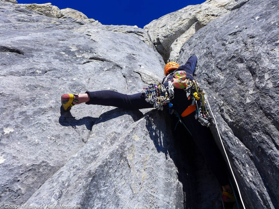 Didier Jourdain leading a steep crack on the east pillar of Siula Grande.