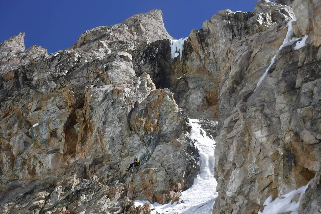 Rappelling the southeast face of Cerro Penitentes.