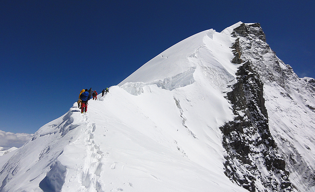 Climbing the southwest ridge of HImlung Himal (7,126m) by the new route Dedicated to the Braves.