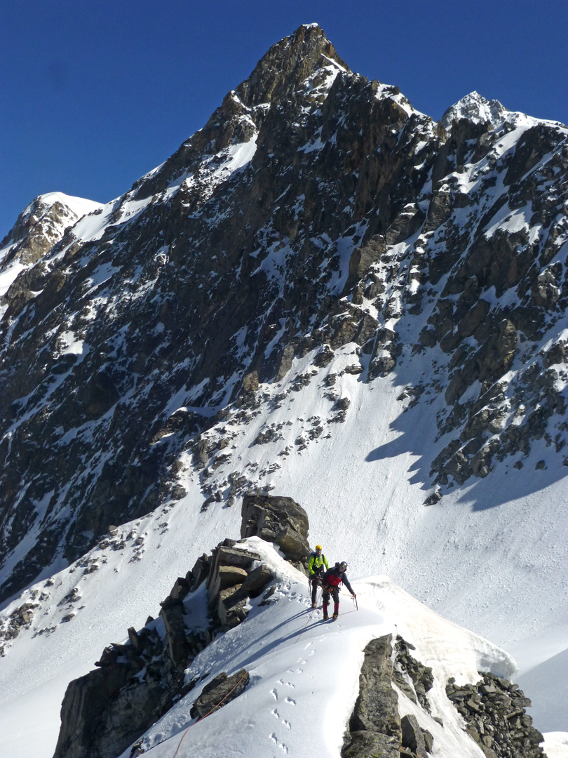 Climbing at 5,100m on the Gimme-Kalapani watershed during the approach to Vishnu Killa.
