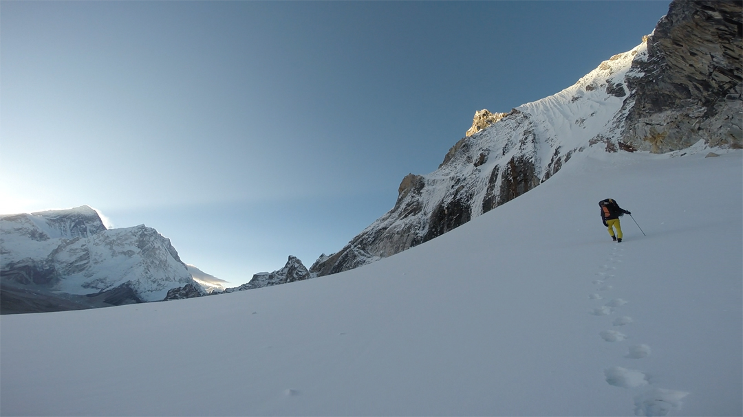 Approaching the north face of Peak 6,010m, with Everest and Nuptse at far left.