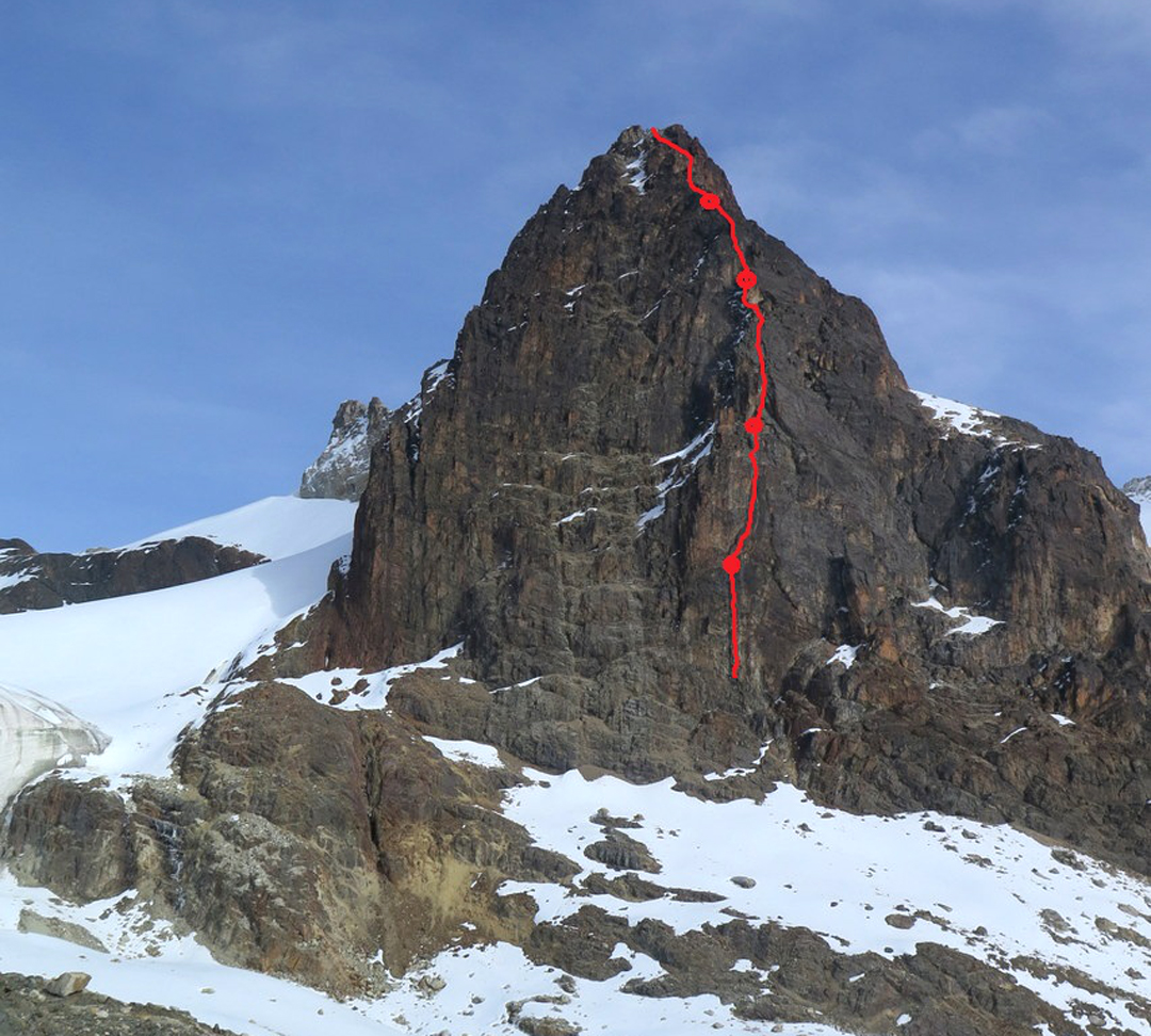 Juntos al Puma on the east face of Charquini, leading to the ca 5,300m east summit.