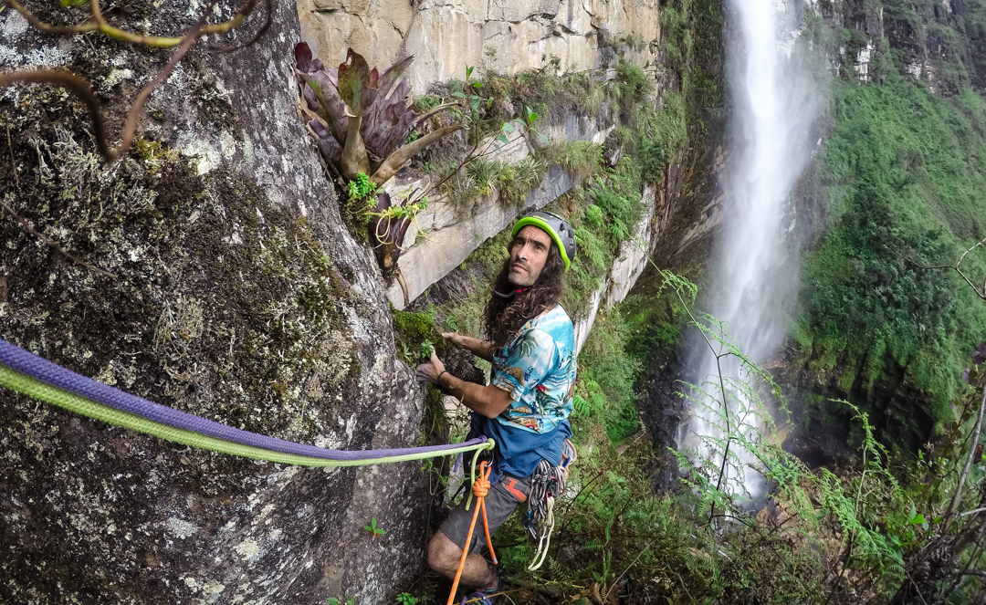 Pedro Galán at the belay of the second pitch of Yaku Mama by Gocta Falls.