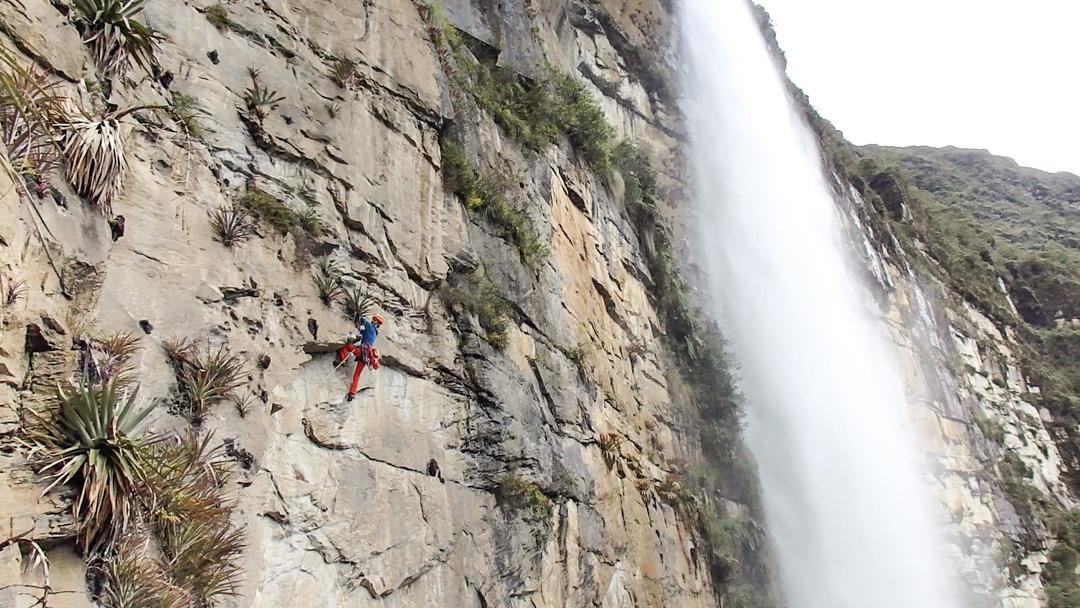 Eneko Pou opening the third pitch (6c) of Yaku Mama by Gocta Falls.