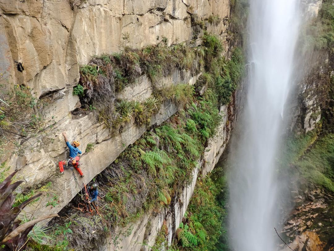 Eneko Pou climbing the third pitch of Yaku Mama by Gocta Falls.