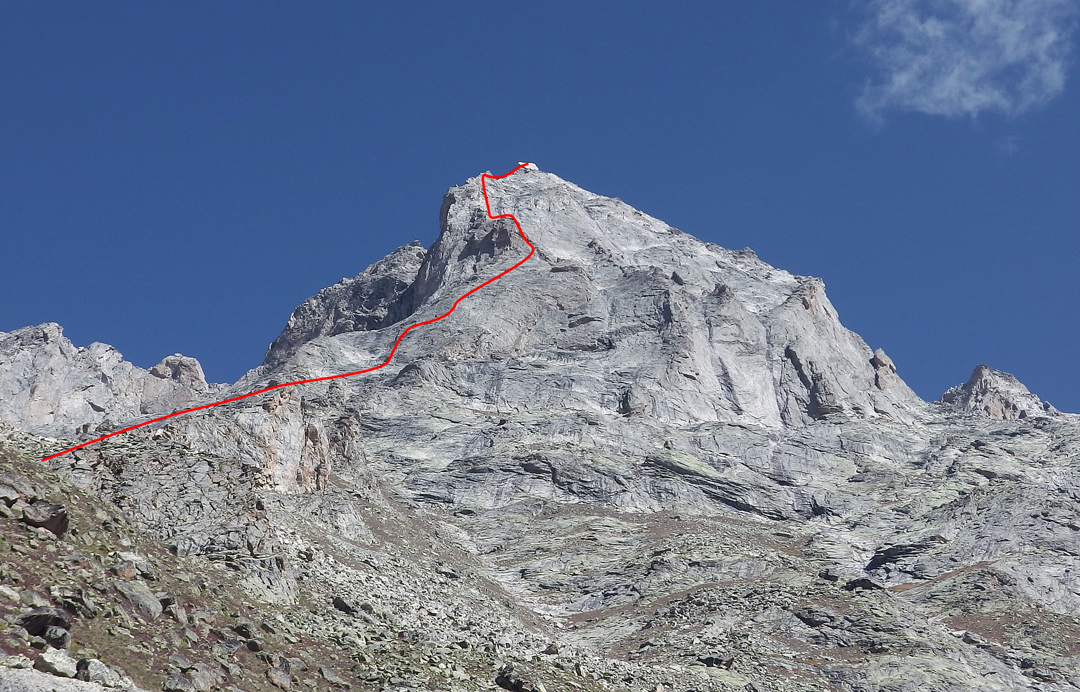 The south buttress of Castle Peak and the line of the 2015 French route.